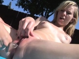 Sunbathing session turns into a pussy eating session