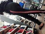 Young poetic justice ebony booty in leggings.